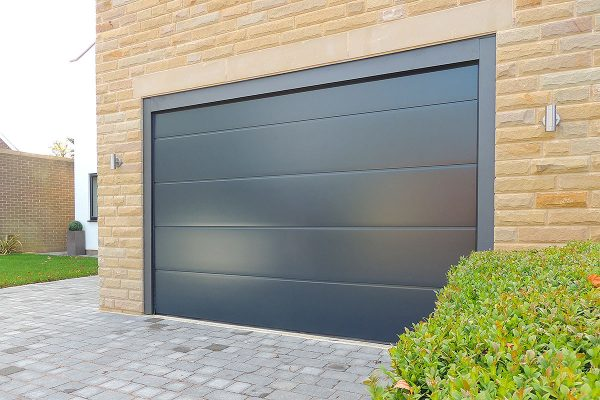 Anthracite L Rib single garage door