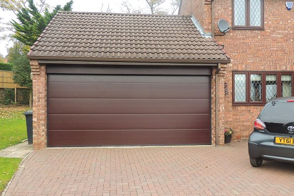 Rosewood L Rib double garage door